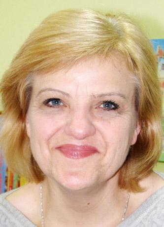 Nijolė PAKŠTIENĖ, Radviliškio viešosios bibliotekos Vaikų literatūros skyriaus vedėja